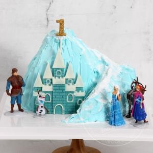 冰雪城堡情景蛋糕
